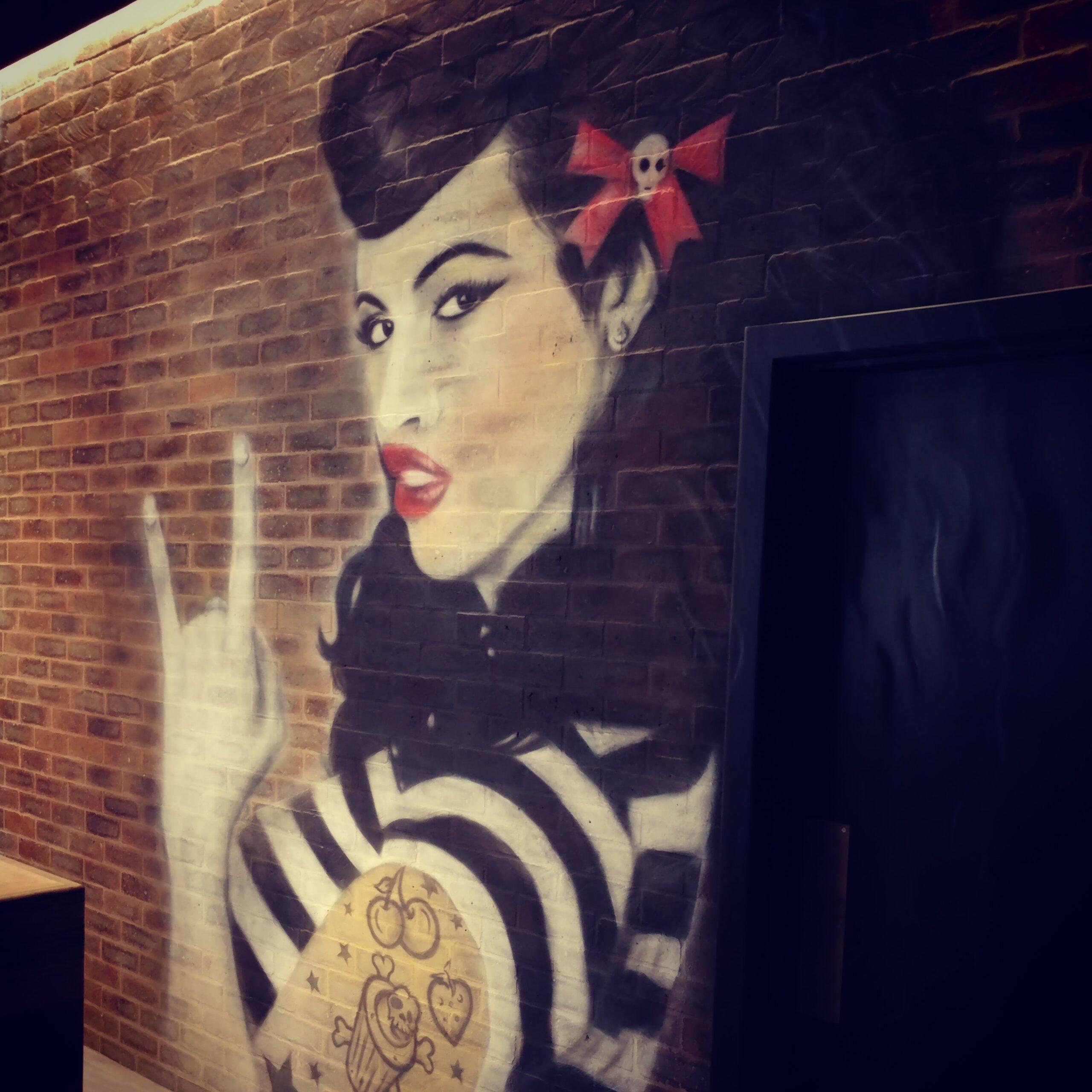 Rocomamas Pin Up Mural